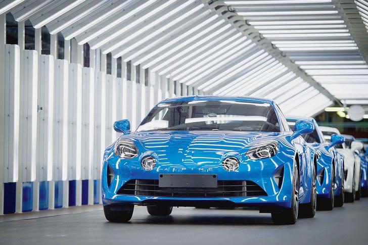 Renault-assure-avoir-plusieurs-milliers-commandesdeux-tiers-France_0_728_485